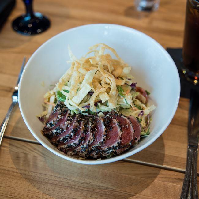 Ahi Tuna Salad at Bonfyre American Grille