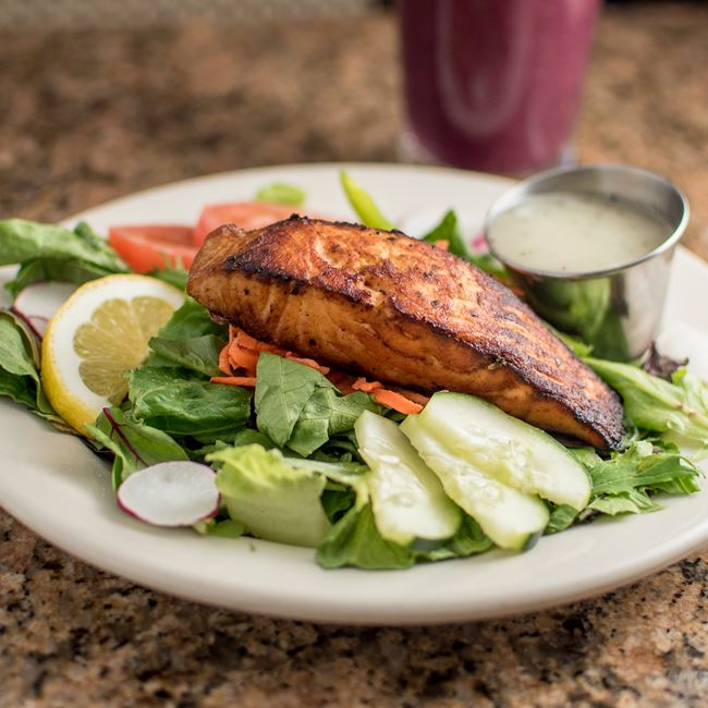 Grilled Salmon Garden Salad at Sunroom Cafe