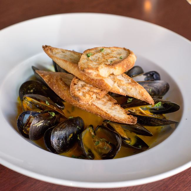 Steamed Mussels at Swig