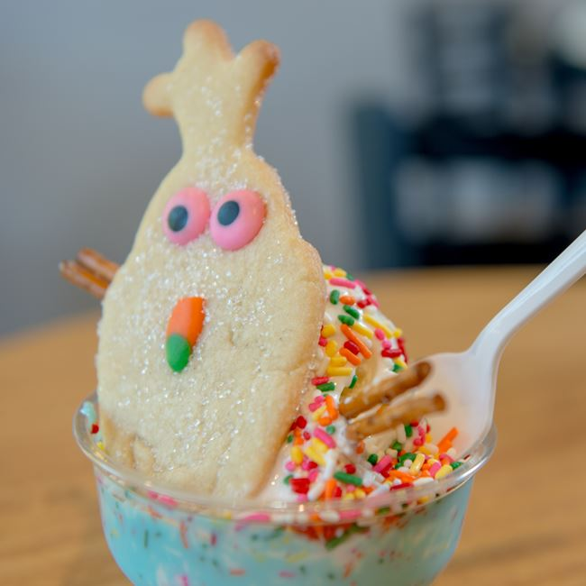 Do you want to build a snowman sundae at Not Licked Yet Frozen Custard