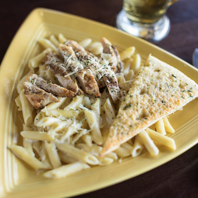 Chicken Alfredo at Ground Round