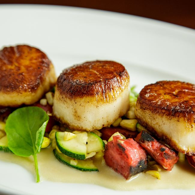 Pan Seared Jumbo Sea Scallops at Mason Street Grill