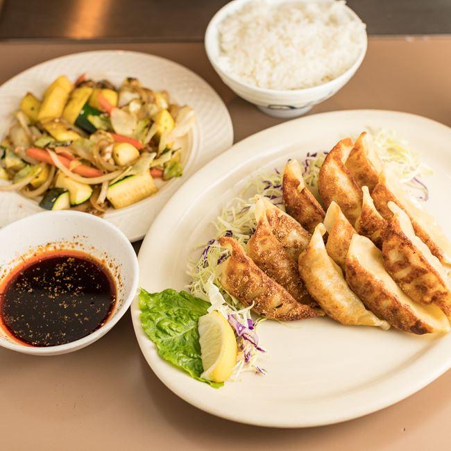 Gyoza Lunch at Tokyo Restaurant