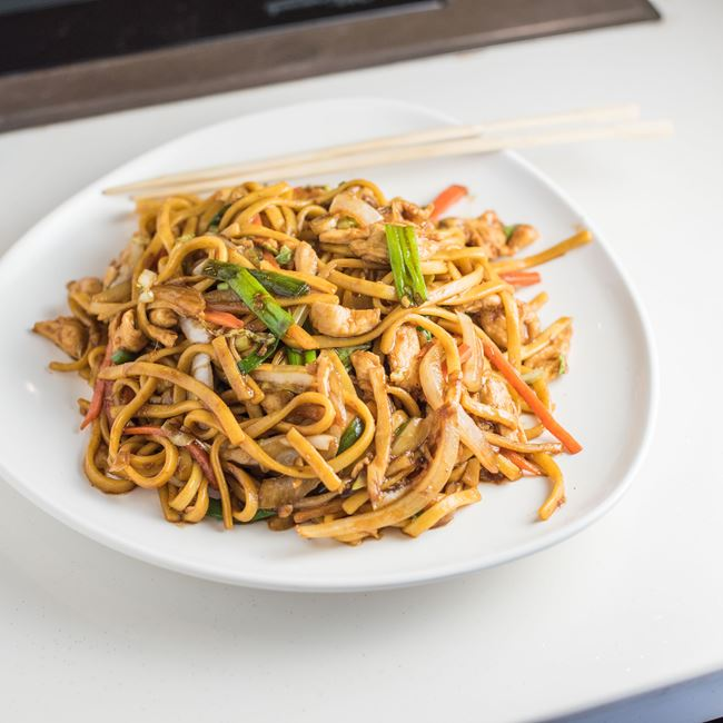 Chicken Lo Mein (Soft Noodle)  at Huan Xi Chinese Restaurant
