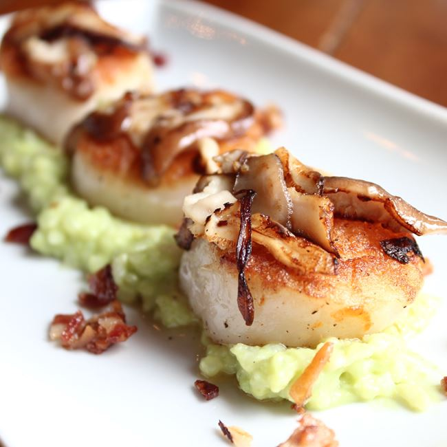 Scallops at MOVIDA