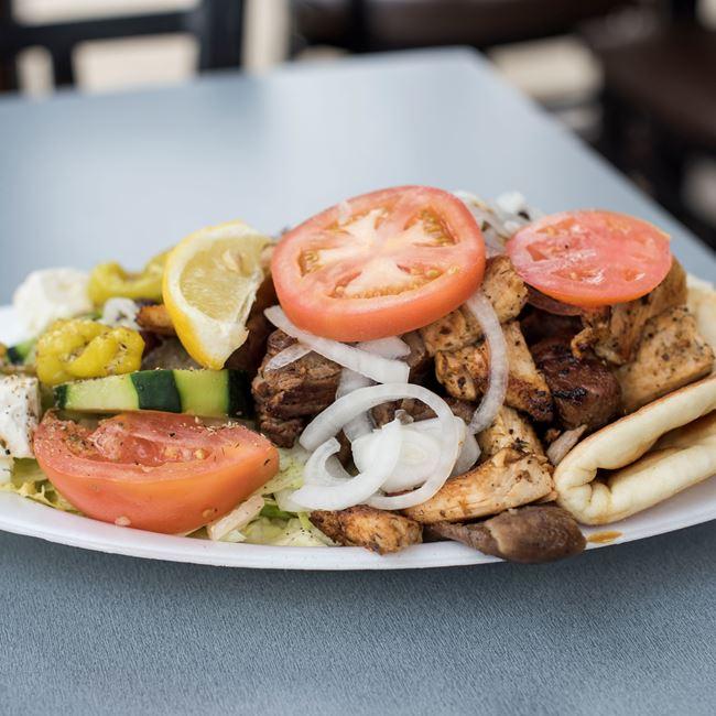Palace Dinner Plate at Gyro Palace