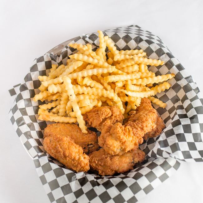 Chicken Wingette Basket at Cedars III Bowling Center