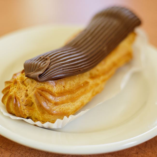 Eclair at Pizza Di Roma