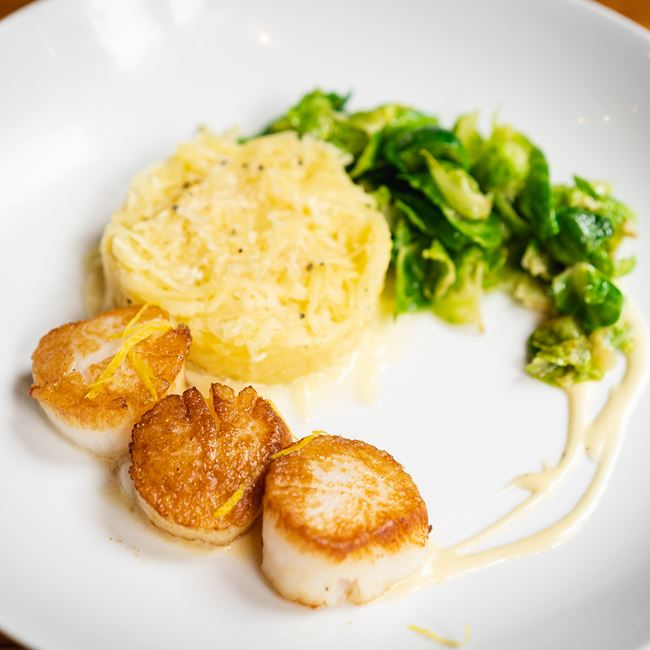 Seared Scallops at Onesto