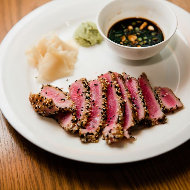 Sesame Crusted Tuna at Junipers Gin Joint