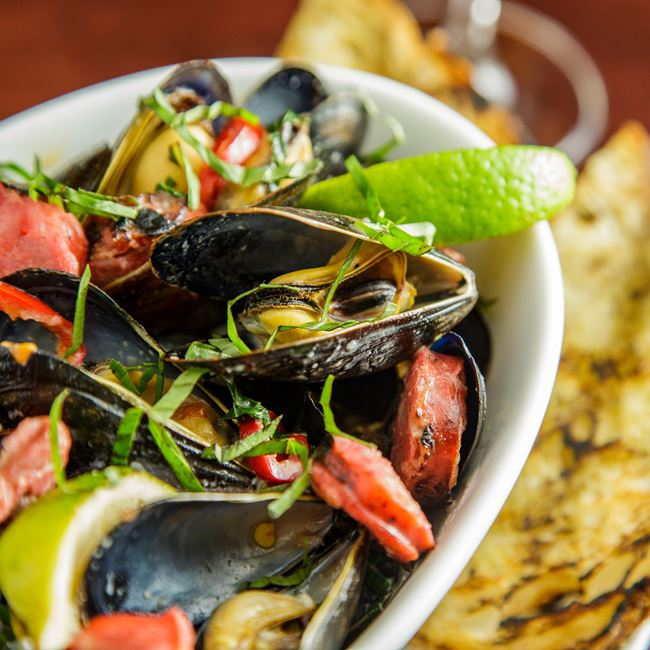 Green Curry Mussels at Mason Street Grill