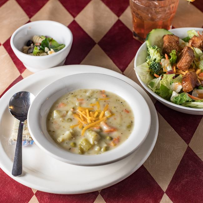 Soup and Salad Bar at 4 Mile Restaurant & Bar