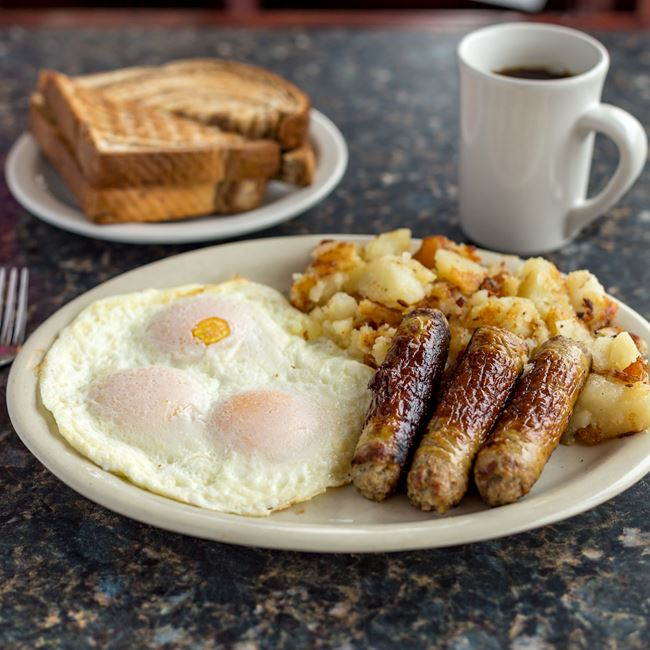 The Classics Breakfast at North Ave Grill