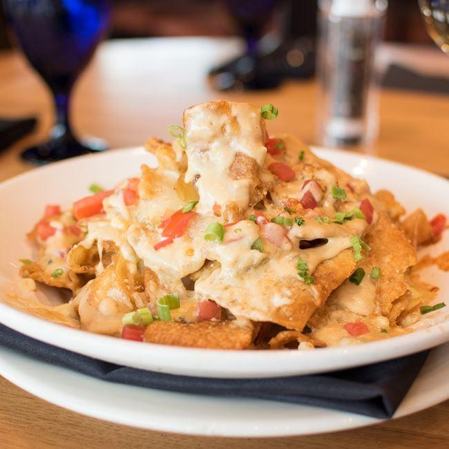 Maytag Bleu Potato Chips at Bonfyre American Grille