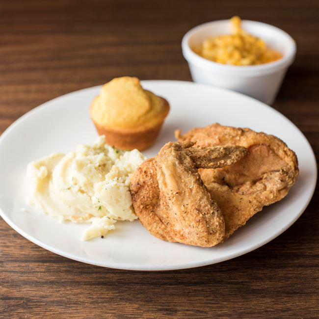 Fried Chicken at Daddy's Soul Food & Grille