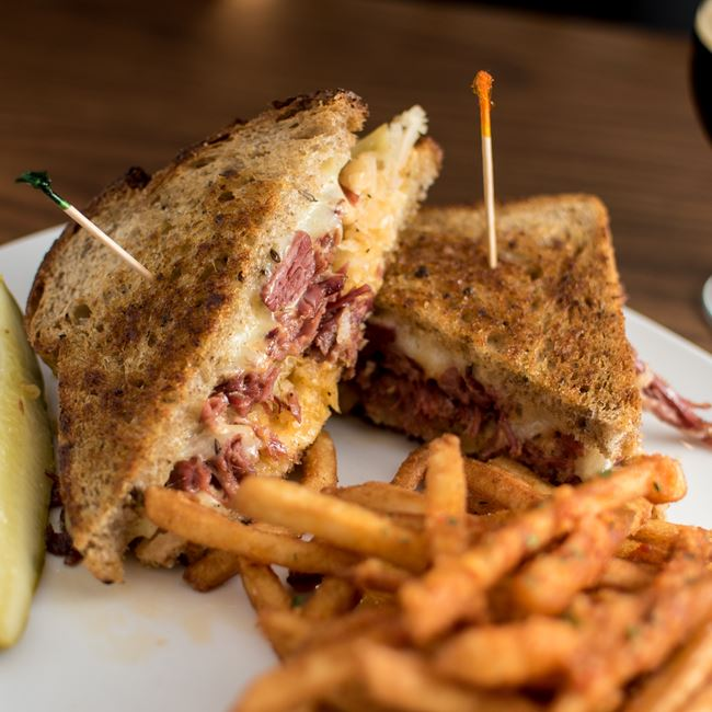 Corned Beef Reuben at Dexter's Pub