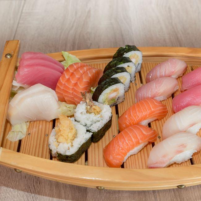 Sushi & Sashimi Combo at Sushi Express