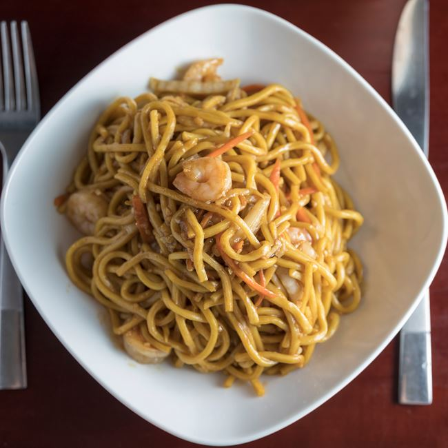 Shrimp Lo Mein at Jade Dragon