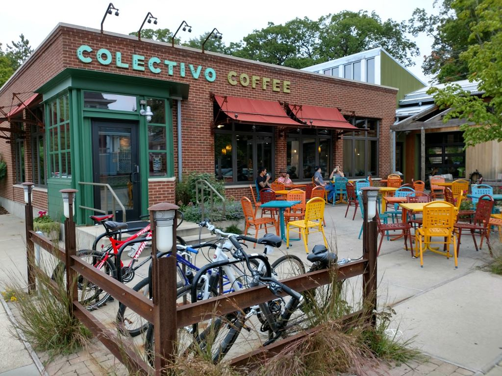 Colectivo Coffee 68th St Photos At Restaurants In