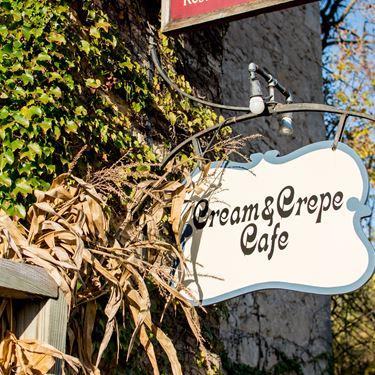 Cream & Crepe Cafe