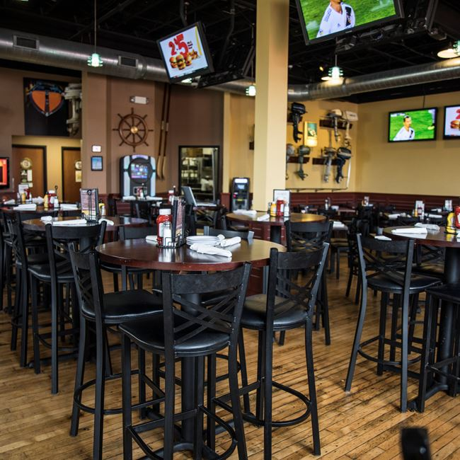The Ruby Owl Tap Room Photos At Restaurants In Oshkosh