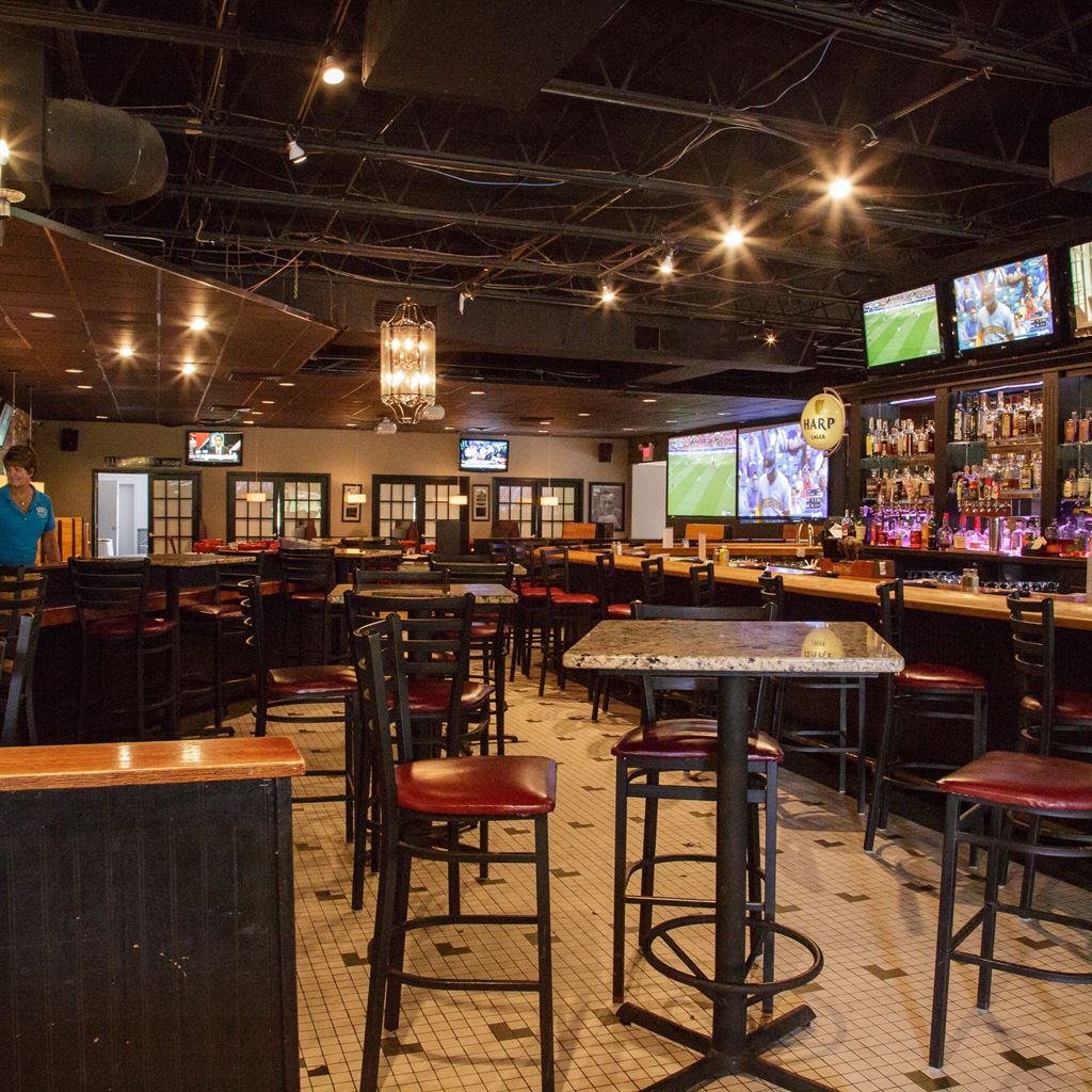 Sports Bar in Hobbs, NM | Babes Sports Page Bar & Grill