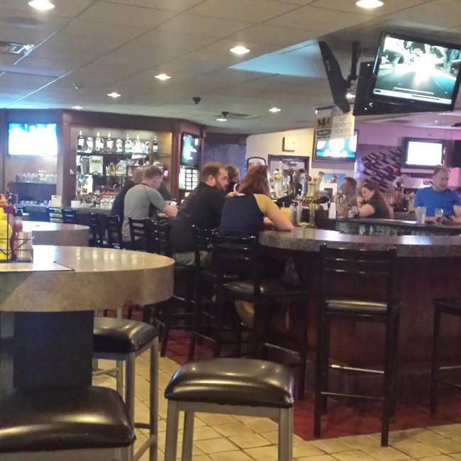 See Food At Ground Round Neenah Restaurants In Neenah Wi Hankr